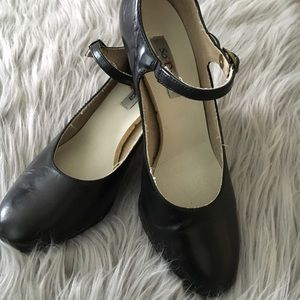 Black leather Women's character dance shoes sz 6